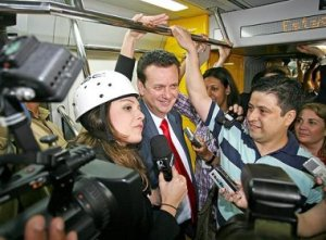 Everyman Kassab rides the Metrô
